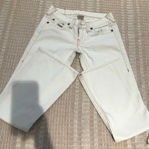 🌟🌺True Religion White Bobby jean! Size 26/31 L
